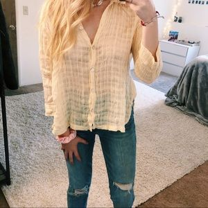 Chico's Lightweight yellow button front blouse